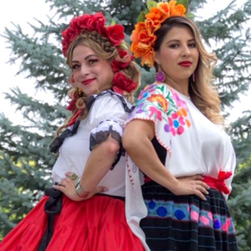 Christina Perea & Andrea Michelle con Divino